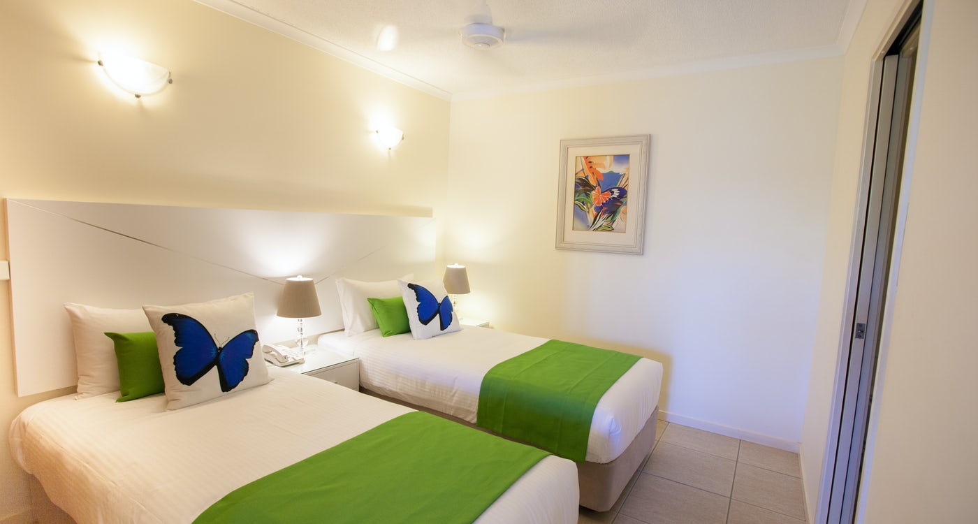 2 Bedroom self-contained apartment single beds 3 port douglas accommodation at Freestyle Port Douglas