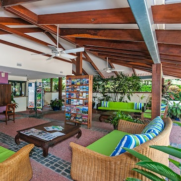 port douglas accommodation freestyle resorts outdoor area 2