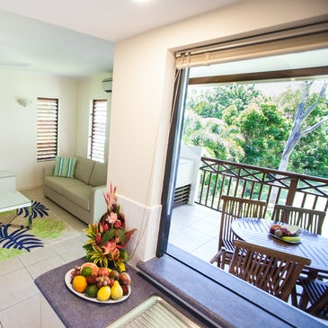 1 bedroom apartment port douglas accommodation kitchen 3