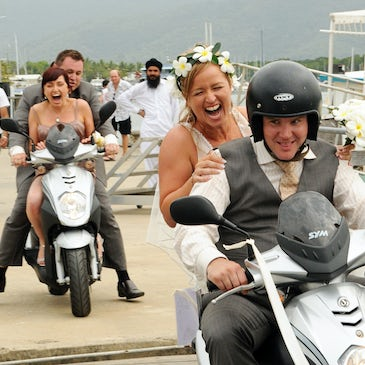 Rikkis scooter wedding at freestyle port douglas
